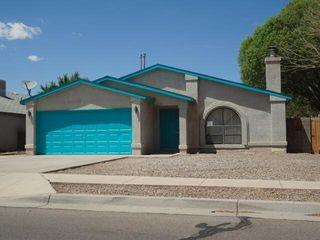 530 Calle Don Santiago NE, Los Lunas, NM 87031