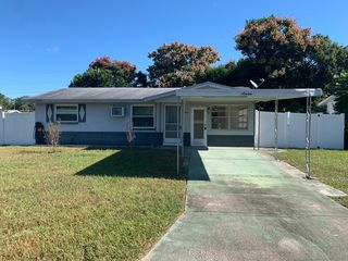 Address Not Disclosed, Beverly Hills, FL 34465