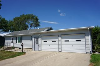 224 W 6th Ave, Redfield, SD 57469