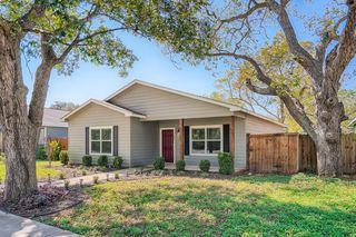 205 Shade St, Smithville, TX 78957