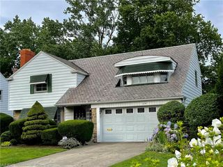 1141 Brandon Rd, Cleveland Heights, OH 44112