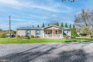 14 Southside Dr, Newville, PA 17241