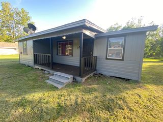 405 N San Jacinto St, Hearne, TX 77859
