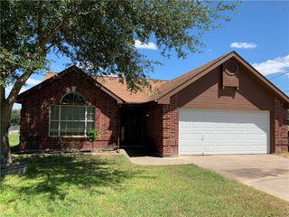 1302 Lagarto Rd, George West, TX 78022