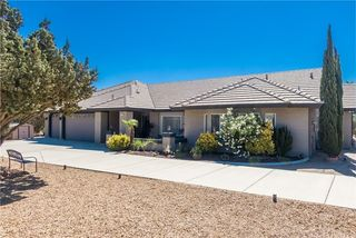 10382 Hollister Rd, Oak Hills, CA 92344