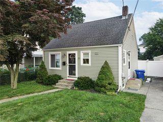 15 Wellesley Ave, Pawtucket, RI 02860