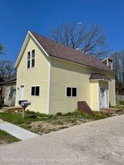 506 N Center Ave, Gaylord, MI 49735