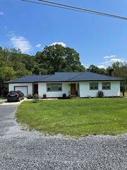 19573 Hill Valley Rd, Three Springs, PA 17264