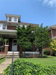 2219 Fairview Ave, Easton, PA 18042