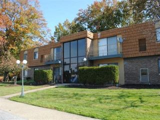 34188 Euclid Ave, Willoughby, OH 44094