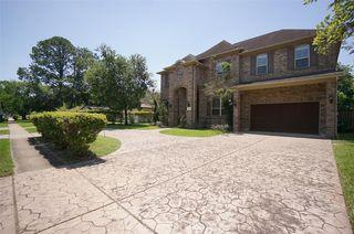 5111 Beechnut St, Houston, TX 77096