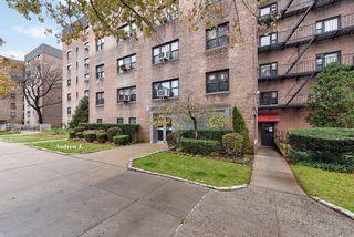 31-50 138th St #1E, Flushing, NY 11354
