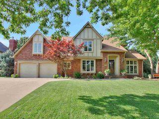 8817 E Shadowridge St, Wichita, KS 67226