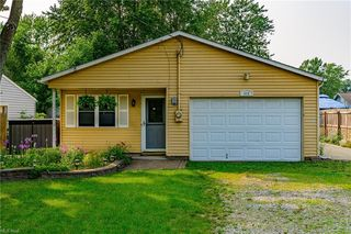 414 Lake Shore Blvd, Painesville, OH 44077