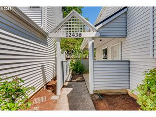 12436 SE Caruthers St, Portland, OR 97233