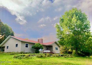 157 Layton Rd, Equinunk, PA 18417
