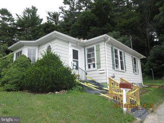 237 Hanover St, Glen Rock, PA 17327