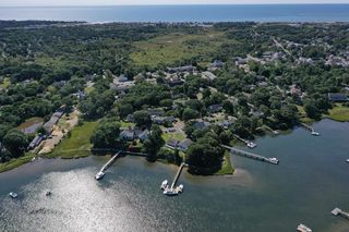 62 Little Cove Cir, West Dennis, MA 02670