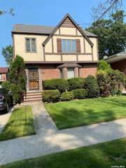 80-29 215th St, Queens Village, NY 11427