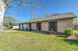 613 Marion Ln, West Columbia, TX 77486