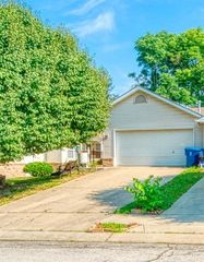 7656 Orchard Village Dr, Indianapolis, IN 46217