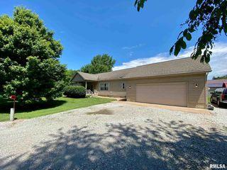 125 W Douglas St, Chandlerville, IL 62627