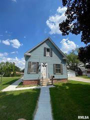 2131 Hickory Grove Rd, Davenport, IA 52804