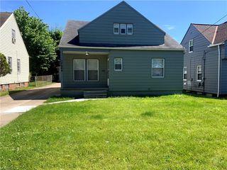 17304 McCracken Rd, Maple Heights, OH 44137
