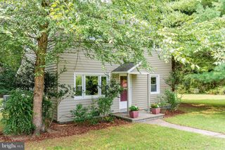 4374 Scuffletown Rd, Barboursville, VA 22923