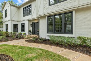 313 N Bailey Ave, Fort Worth, TX 76107