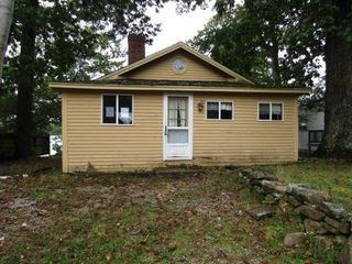 24 Cecil Ave, Hampstead, NH 03841