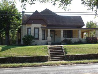 402 E Main St, Henderson, TX 75652