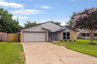 4132 Willow Oak St, Bryan, TX 77802