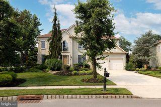 16 Manor House Dr, Cherry Hill, NJ 08003