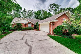 7388 Secret Woods Dr, Jacksonville, FL 32216