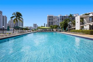 1000 Parkview Dr #224, Hallandale Beach, FL 33009
