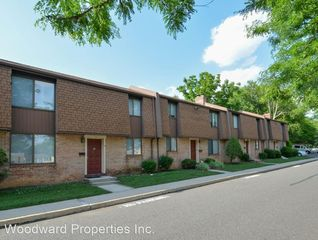 151 S Bishop Ave, Clifton Heights, PA 19018