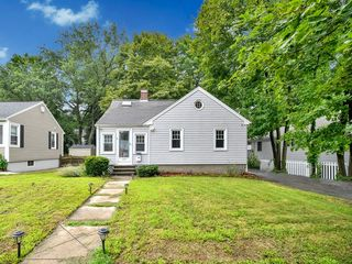 273 Lovell St, Worcester, MA 01602