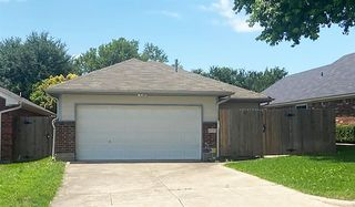 10229 Holly Grove Dr, Fort Worth, TX 76108