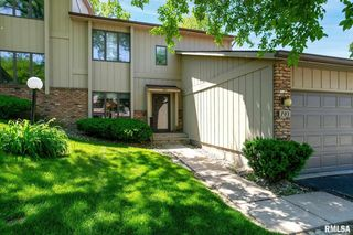 702 51st Ave, East Moline, IL 61244