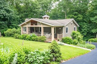 8 Lakeside Dr, Yorktown Heights, NY 10598