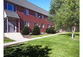 81 Main St, Newington, CT 06111