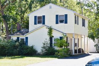 30 Travis Rd, East Patchogue, NY 11772