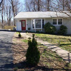 6341 Dogwood Pl, Falls Church, VA 22041