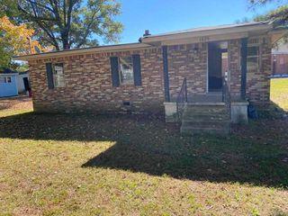 1825 Fields Rd, Memphis, TN 38109