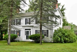 60 Middle Rd, Brentwood, NH 03833