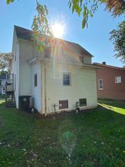 1162 Big Falls Ave, Akron, OH 44310