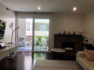 450 San Vicente Blvd #203, Santa Monica, CA 90402