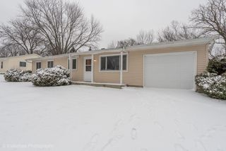 4815 Claire St, Crystal Lake, IL 60014