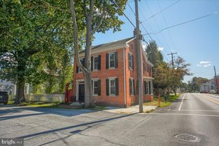 124 3rd St, Boiling Springs, PA 17007